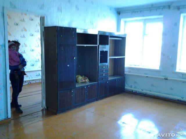 Продам большую квартиру за даром, в 30 км. от города