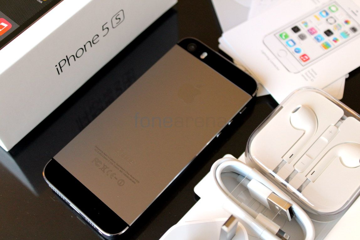 For sale brand new, Apple iphone 6, 5s,samsung galaxy 5s,Blackberry porsche gold,