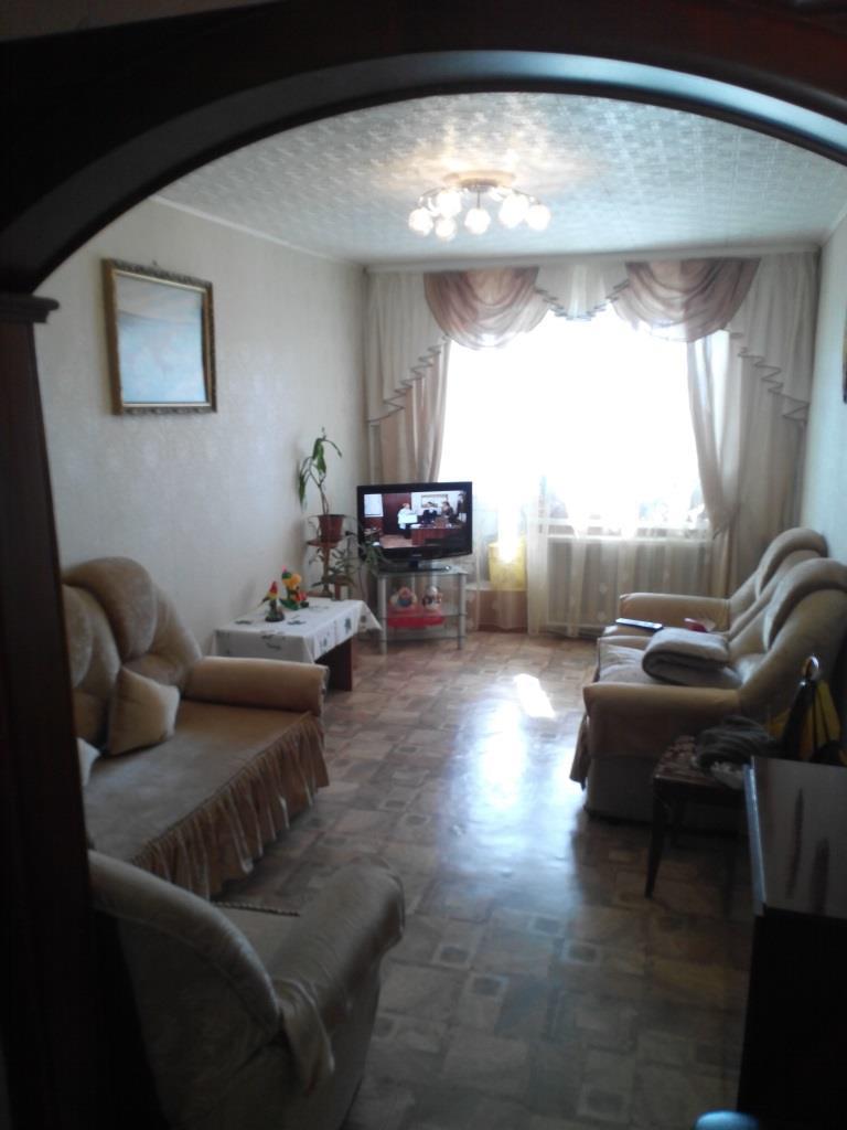 Продается шикарная трехкомнатная квартира - Энтузиастов 4.