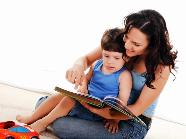 Требуется няня с рекомендациями и педагогическим образованием.