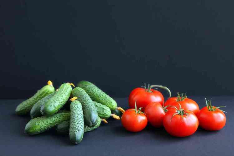 Супер экологически чистые огурцы и помидоры!