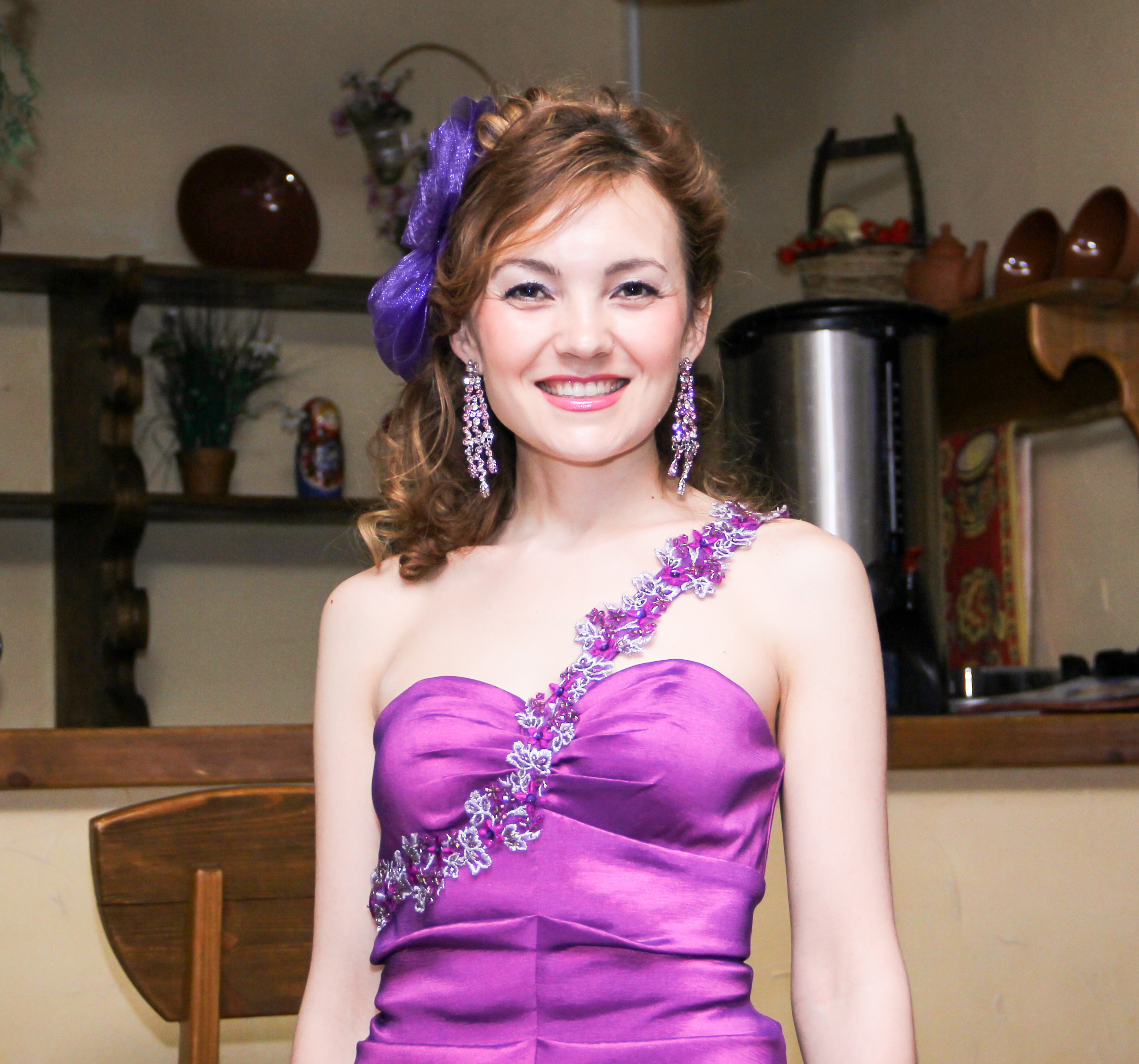 Тамада ведущая на татарском русском, певец - диджей в Уфе