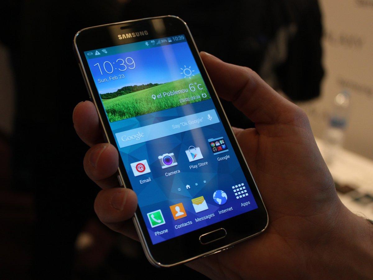 Срочно продам Samsung Galaxy S5 SM-G900F 16Gb