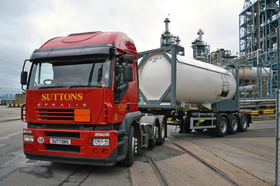 Перевозки автоцистернами и танк-контейнерами наливных жидких грузов