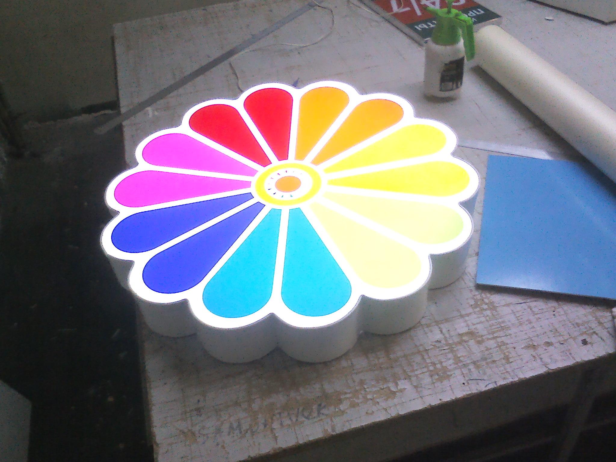 Изготовим световые вывески и объемные буквы
