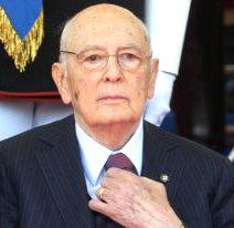 Президент Италии хочет подать в отставку.