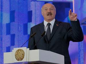 """В Беларуси хотят наказать """"тунеядцев""""."""