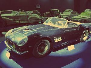 Аукцион во Франции: 14 млн евро за авто Алена Делона