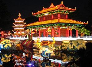 В Китае сегодня шумно отмечают Новый 4713 год по местному лунному календарю