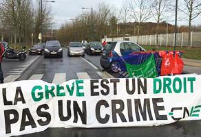 Брюссель бастует против политики новых властей Бельгии.