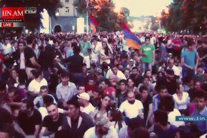 В Армении жители блокируют резиденцию президента