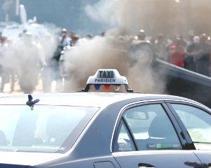 Хаос и разборки таксистов