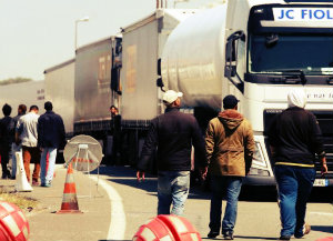 Мигранты штурмуют Евротоннель
