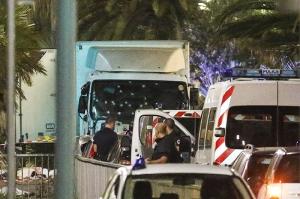 Президент Франции назвал атаку в Ницце терактом