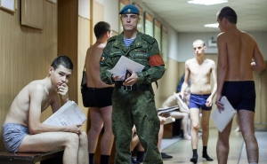 Обяжет ли Дума призывников являться в военкомат без повесток?